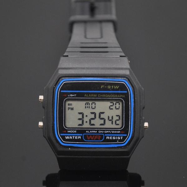 1ec396d6c Klokke- Digital-Retro Design - Billigmarkedet.no